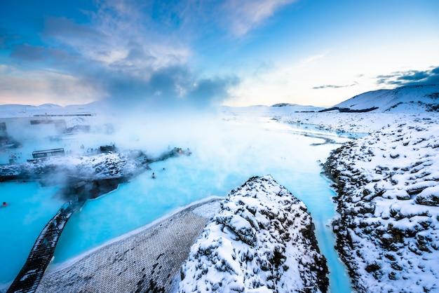 Błękitnej laguny geotermalny zdrój w islandii