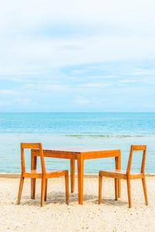 Błękitny ocean drewna island resort