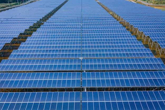 Błękitny panel wykłada ogniwo słoneczne energetycznego biznes i przemysł czystą władzę elektryczną w tajlandia