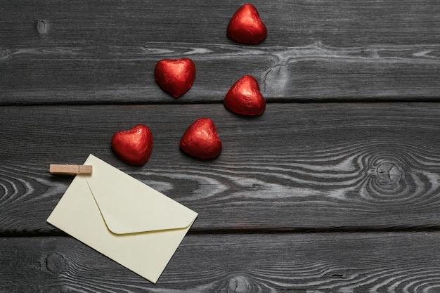 Bliska czekoladowy kształt serca