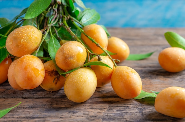 Bliska mayongchid maprang marian plum lub śliwkowe mango