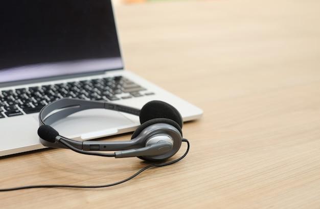 Bliska nieostrość niewyraźne zestawu słuchawkowego call center