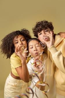 Bliska portret pięknych nastolatków