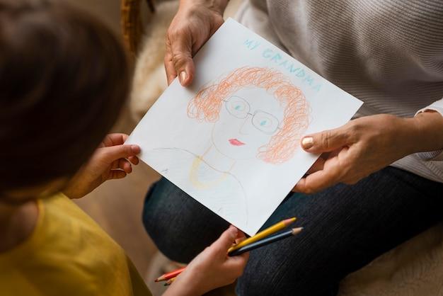 Bliska rysunek dziadków gospodarstwa