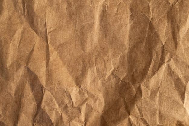 Bliska zmięty papier brązowy tekstury