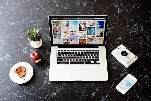 Blog internet social media photo share concept