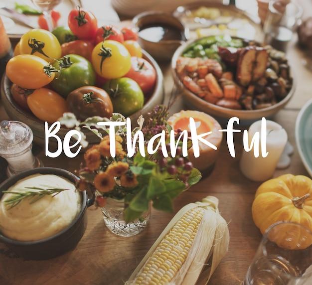 Błogosławiony posiłek tahnkful greatful owsianki religii pojęcie