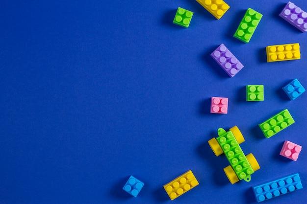 Bloki konstrukcyjne kolorowe plastikowe zabawki samochodzik