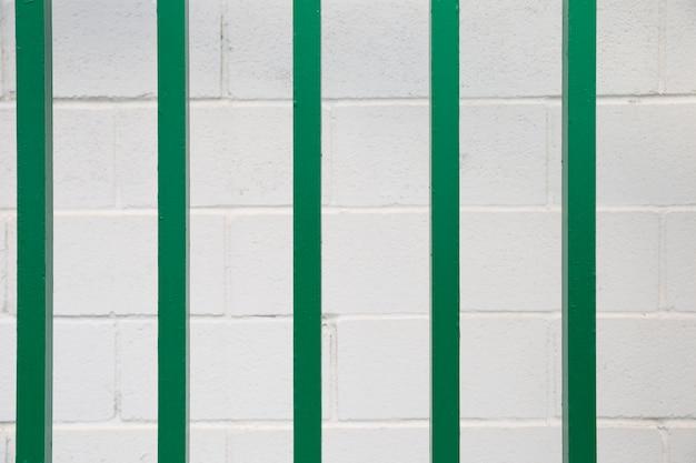 Blokuj ścianę za pomocą pasków