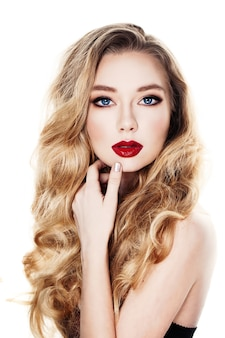 Blond włosy kobieta moda model na białym tle