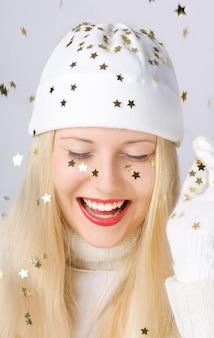 Blondynka w czasie świąt bożego narodzenia
