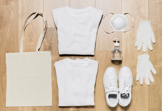 Bluza z kapturem ze sprzętem ochronnym i butami