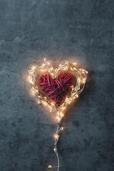 Błyszczące serce. walentynki. karta walentynki