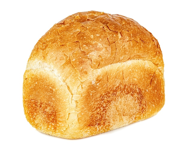Bochenek chleba w kształcie cegły na białym tle