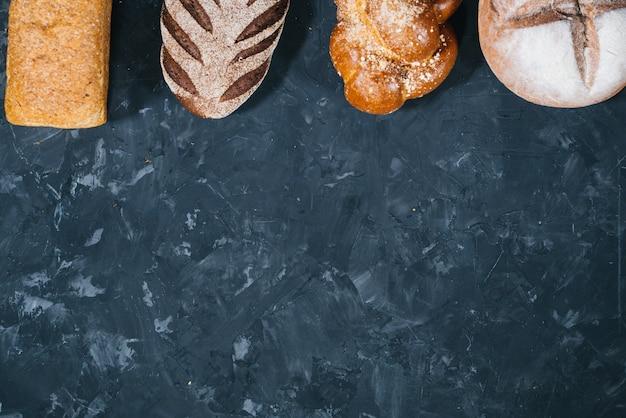 Bochenki różnych ciast