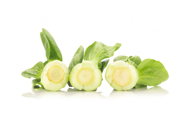 Bok choy warzywo odizolowywający na białym tle