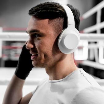 Bokser męski ze słuchawkami