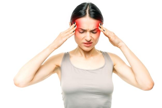 Ból głowy, chora kobieta z bólem skroni
