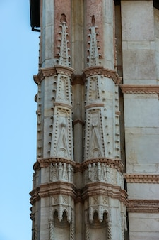 Bolonia włochy piękna architektura kościoła katolickiego basilica di san petronio w bolonii