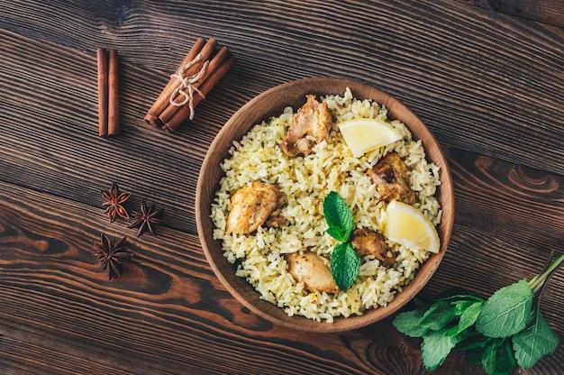 Bowl of biryani - popularne danie z ryżu w azji południowej