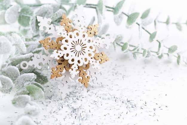 Boże narodzenie dekoracje na białym tle