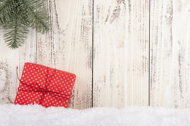 Boże narodzenie i nowy rok koncepcja tło z pudełkiem na prezent