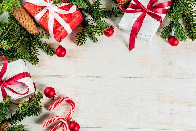 Boże narodzenie i nowy rok prezent tło z jodły