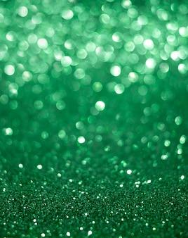 Boże narodzenie i nowy rok wakacje pionowe zielone tło bokeh z miejsca kopiowania.