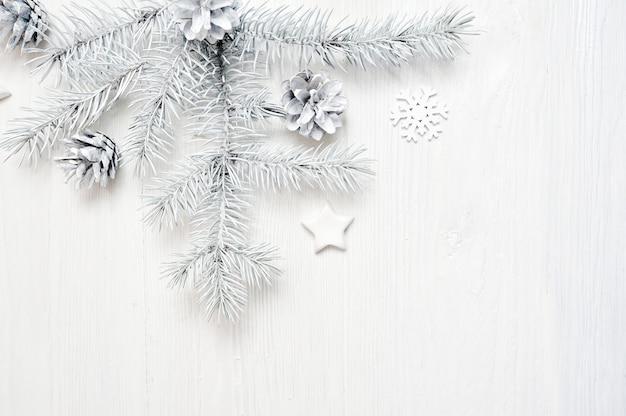 Boże narodzenie rama białe gałęzie drzewa granicy na biały drewniany