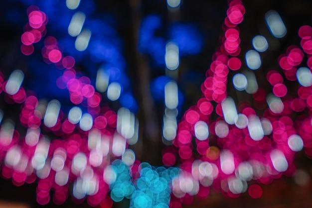 Boże narodzenie światła dekoracji rozmyte tło uroczysty koncepcja w nocy, bokeh