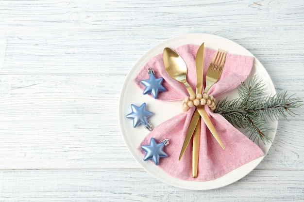 Boże narodzenie ustawienie stołu na drewnianym stole