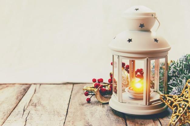 Boże narodzenie w tle. szczęśliwego nowego roku. selektywna ostrość