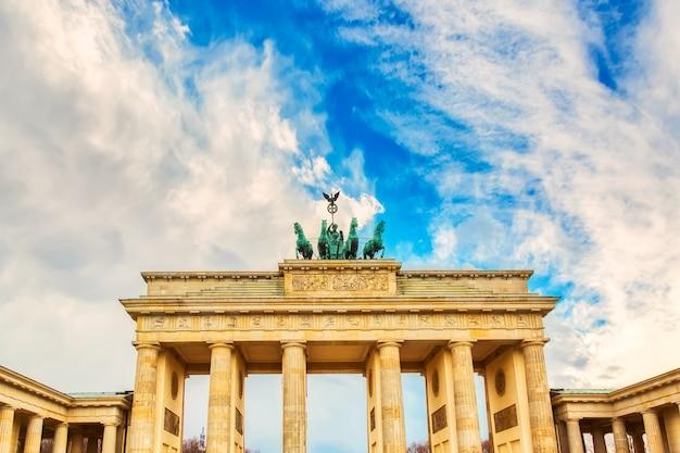 Brama brandenburska brandenburger tor szczegóły w berlinie, niemcy