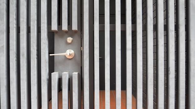 Brama domowa i klamka do drzwi w japonii.