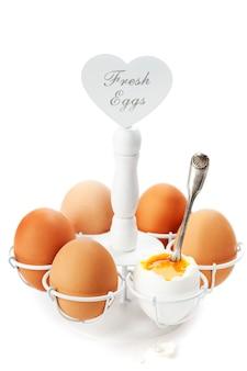 Brązowe jajka na miękko