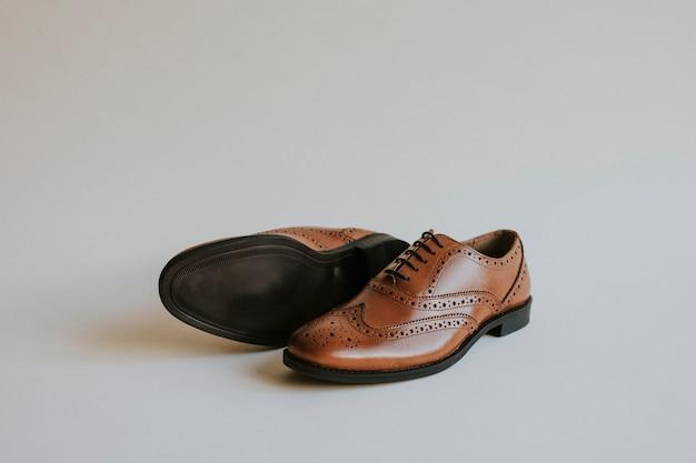 Brązowe męskie skórzane buty typu derby