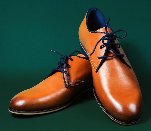 Brązowe skórzane buty wykonawcze