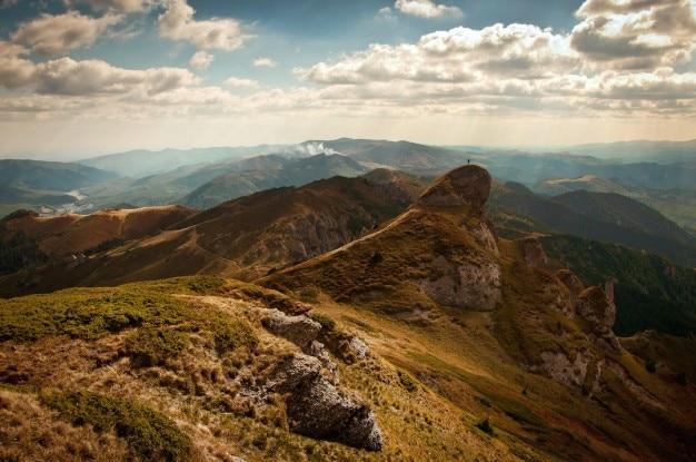 Brązowe wzgórza