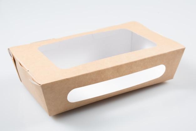 Brązowy papierowy kartonowy pojemnik na żywność