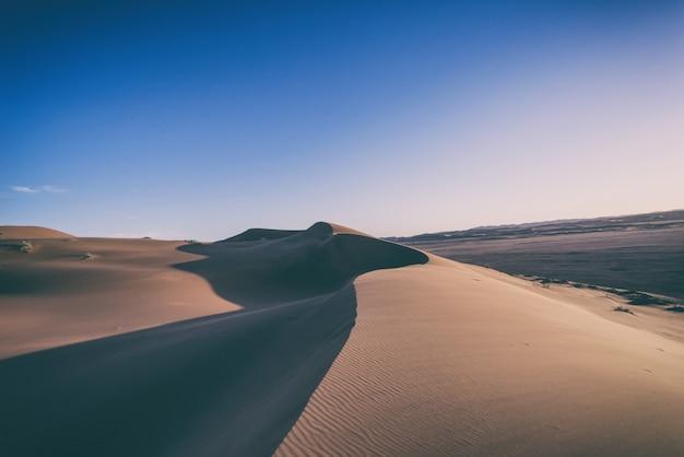 Brązowy piasek