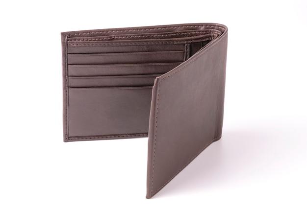 Brązowy skórzany portfel na białym tle
