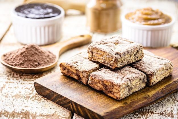 """Brazylijski cukierek zwany """"palha italiana"""", brazylijska wersja włoskiego słodkiego salami czekoladowego"""