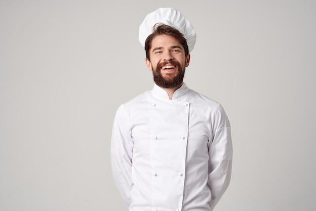 Brodaty mężczyzna restauracja usługi profesjonalny gest ręki pozowanie studio