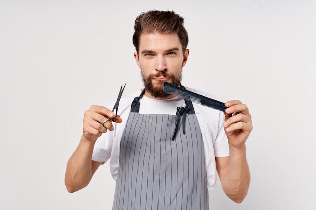 Brodaty mężczyzna salon piękności moda praca. zdjęcie wysokiej jakości