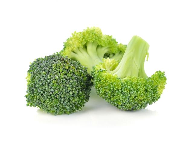 Brokuły warzywo odizolowywający na bielu