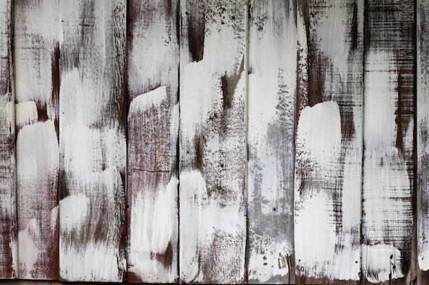 Brown drewna talerz z białym koloru obrazu tłem