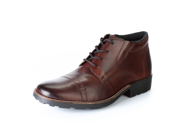 Brown formalni męscy rzemienni buty odizolowywający na białym tle