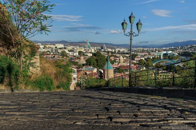 Brukowanie dróg w mieście tbilisi