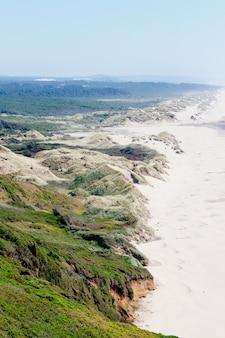 Brzeg narodowego parku rekreacyjnego oregon dunes