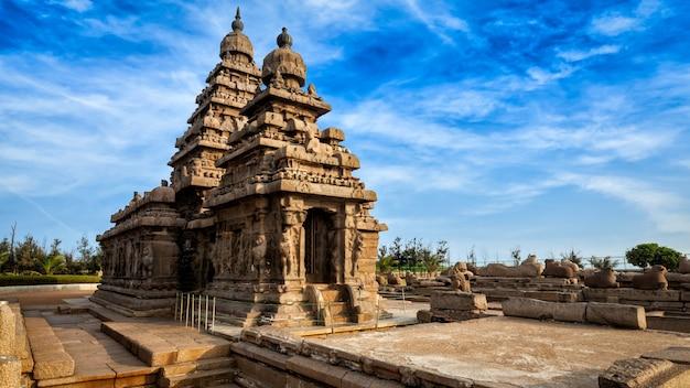 Brzeg świątynia w mahabalipuram, tamil nadu, india